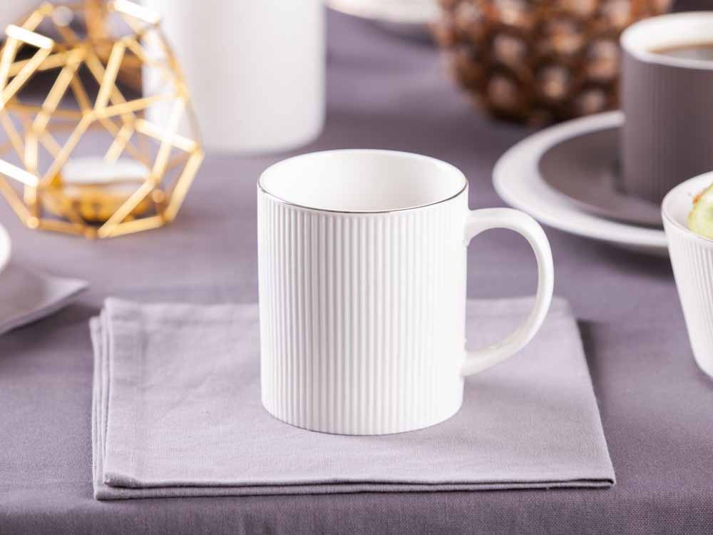 Kubek do kawy i herbaty porcelanowy Altom Design Urban White Złota Linia 320 ml